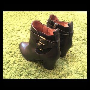 🥾 Louis Et Cie black ankle boots, size 9, NWOT